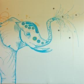 Ferdigmåla elefant